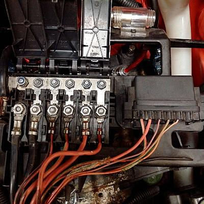 jetta battery fuse box 2007 gti battery fuse box question  2007 gti battery fuse box question