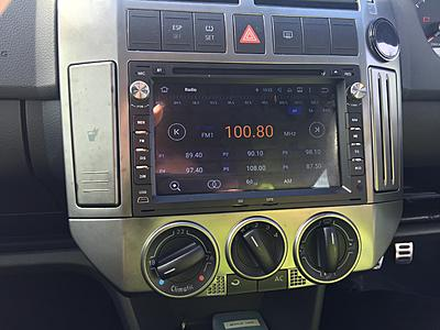 New head unit fitted to Polo 9N3