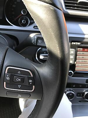 Discoloration of the steering wheel-thumbnail_img_5388-jpg