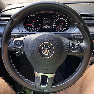 Discoloration of the steering wheel-thumbnail_img_6027-jpg