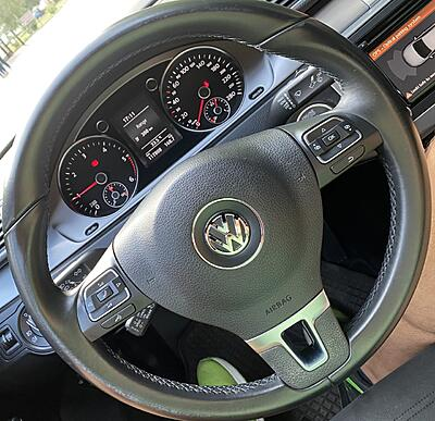 Discoloration of the steering wheel-thumbnail_img_6028-jpg