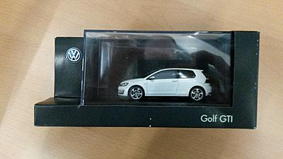 Golf 7 Gti white 1:43-20150528_092644-jpg