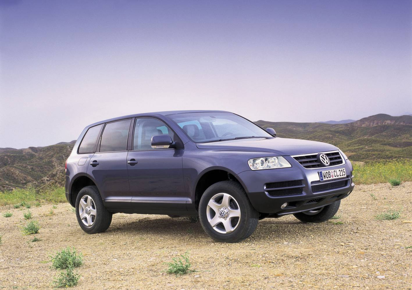 Blast from the Past: All-New Volkswagen Touareg 4WD (2002 ...