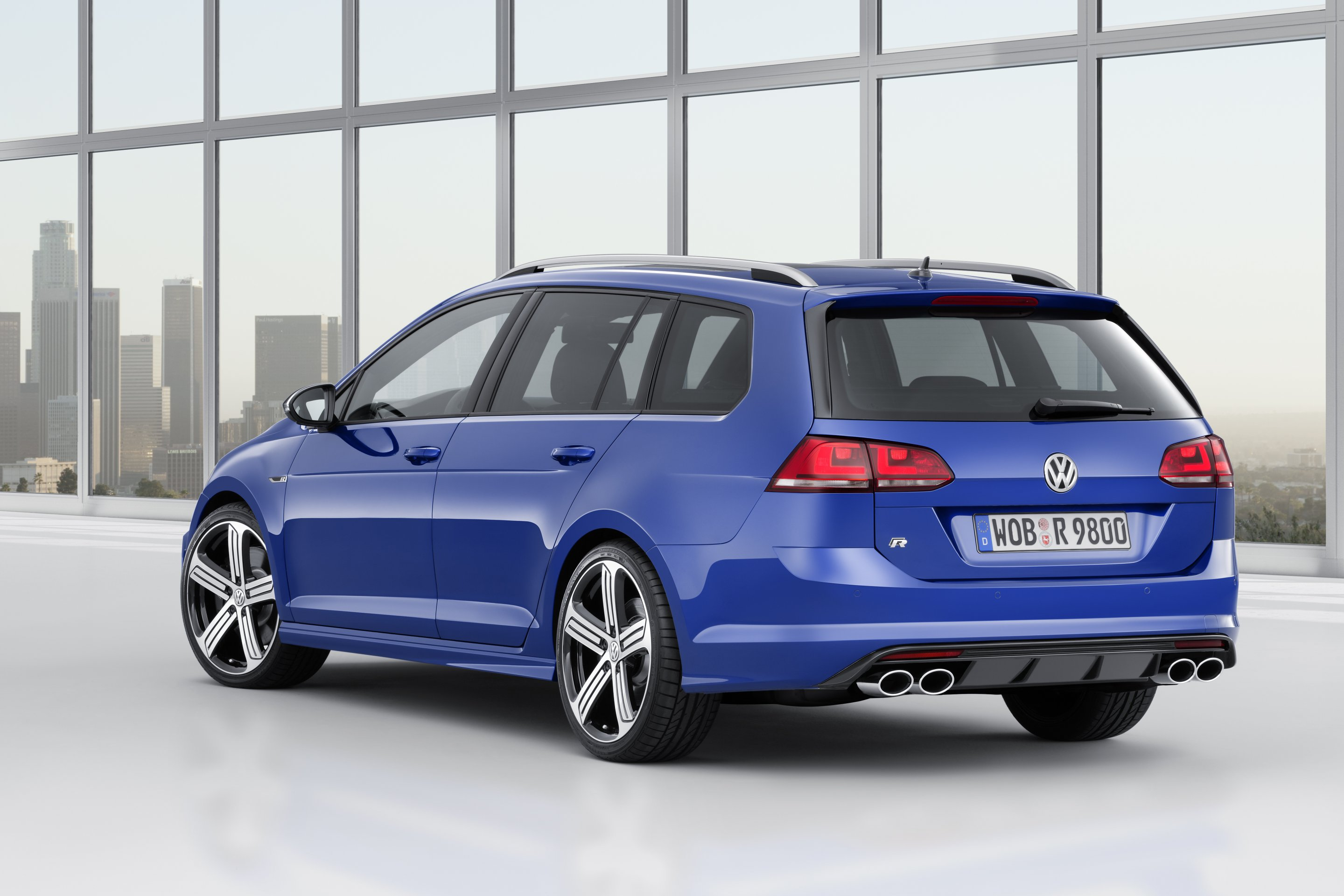 World Premiere Golf R Variant Top Model Of The Golf Line