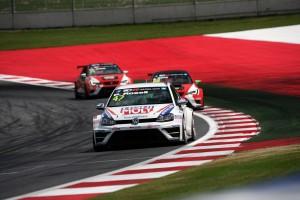 12.07.2015 - Race 2, Pol Rosell (ESP) Volkswagen Golf TCR, Liqui Moly Team Engstler